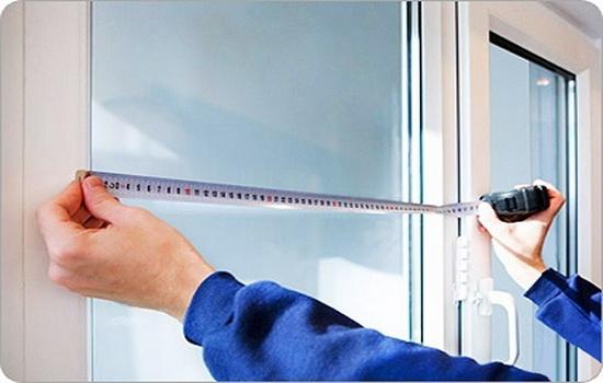 Provedenie-pravilnyh-zamerov-pod-plastikovoe-okno-vazhnejshij-shag