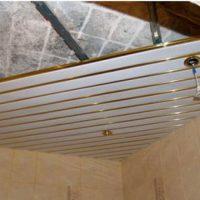 Реечный потолок. Преображение вашей ванной комнаты