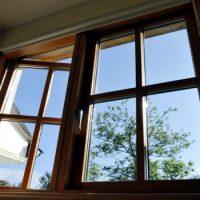Окна деревянные со стеклопакетами – привлекательная цена и высокое качество