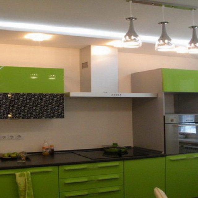 Какой потолок лучше сделать на кухне ?