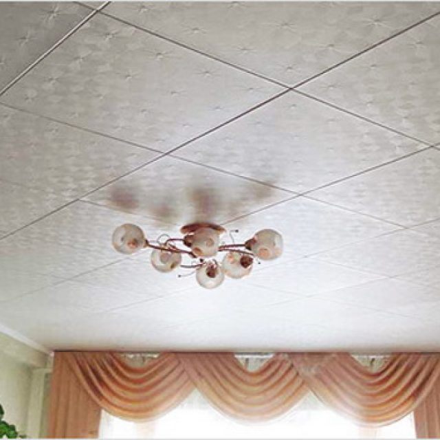 Клеим потолочную плитку. Плюсы и минусы потолочной плитки